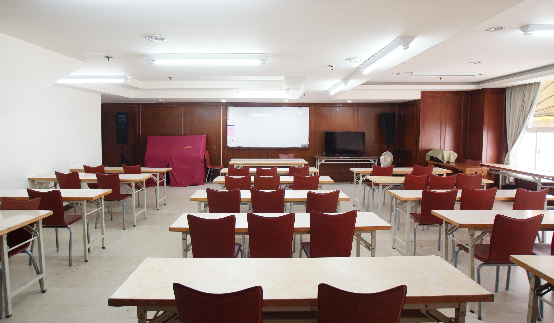 302教室